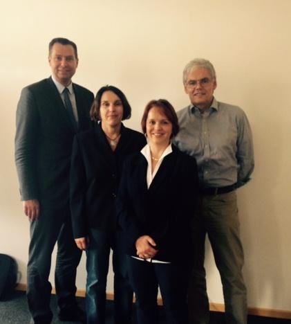 MdB Stephan Mayer zu Besuch bei EIB v.l.: MdB Stephan Mayer, Claudia Hausberger (Behindertenbeauftragte), Angela Niedermeier (Geschäftsführung EIB), Walter Grafwallner (Kaufmännischer Vorstand Stiftung Ecksberg)